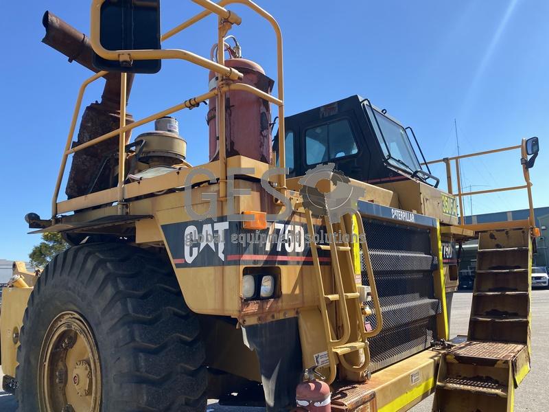 1997 Caterpillar 775D Dump Truck no Tray image 27