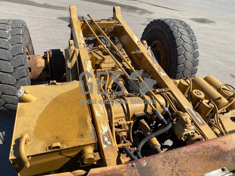 1997 Caterpillar 775D Dump Truck no Tray image 30